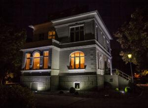 Andreashaus nachts