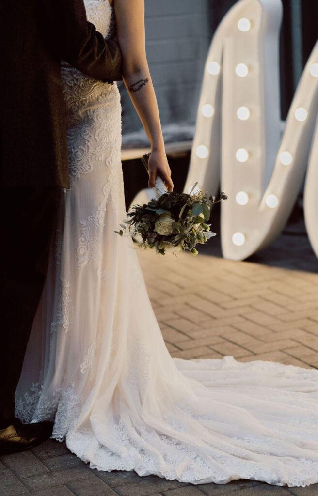 Details-Brautkleid-und-Anzug